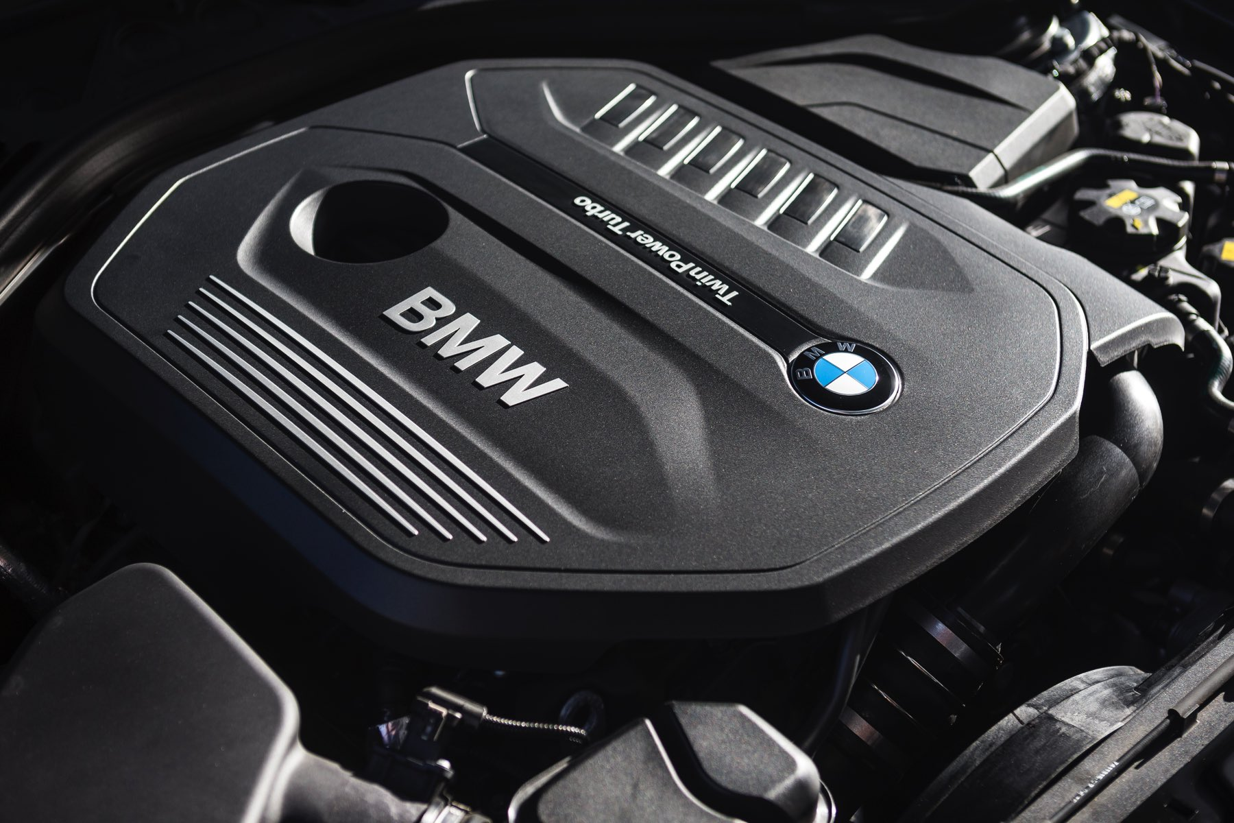 2016-BMW-340i-txGarage-022