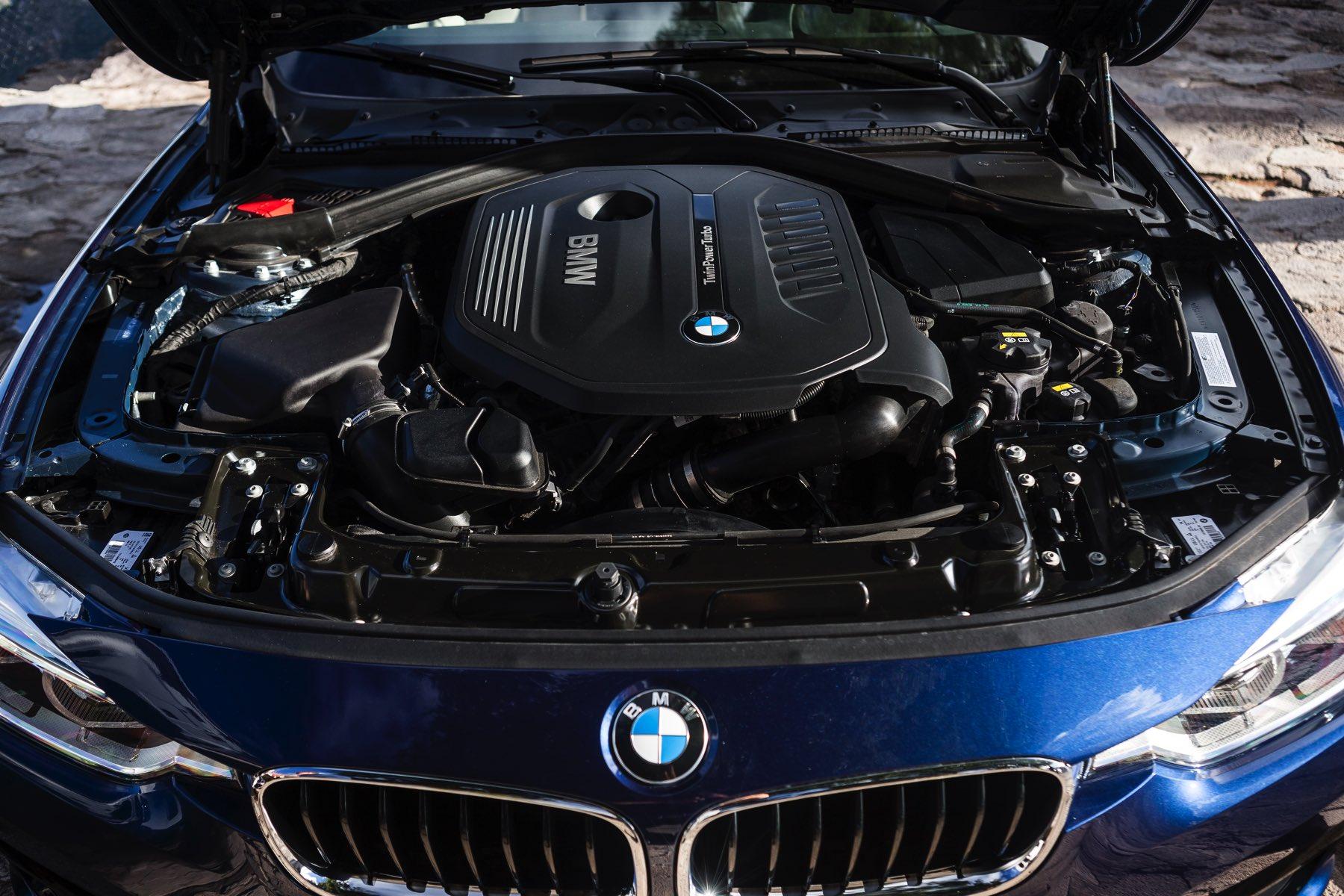 2016-BMW-340i-txGarage-023