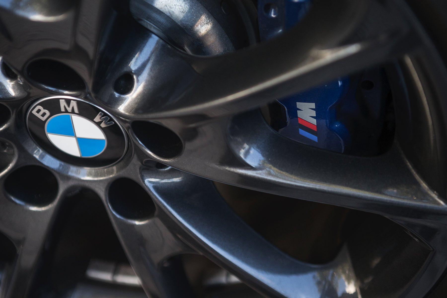 2016-BMW-340i-txGarage-027