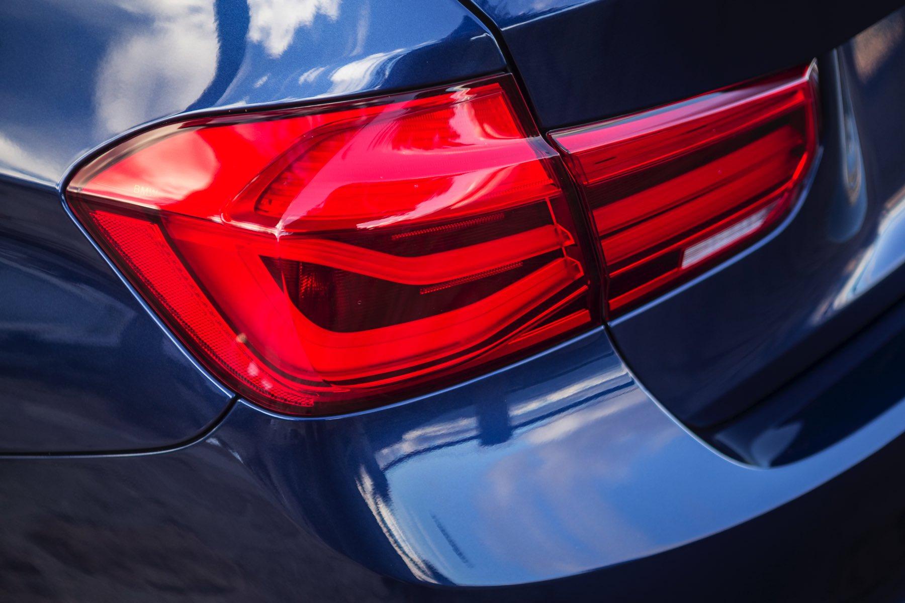 2016-BMW-340i-txGarage-031