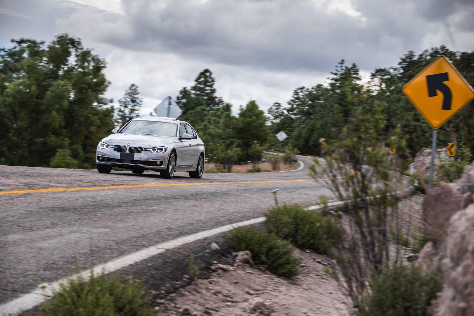 2016-BMW-340i-txGarage-036