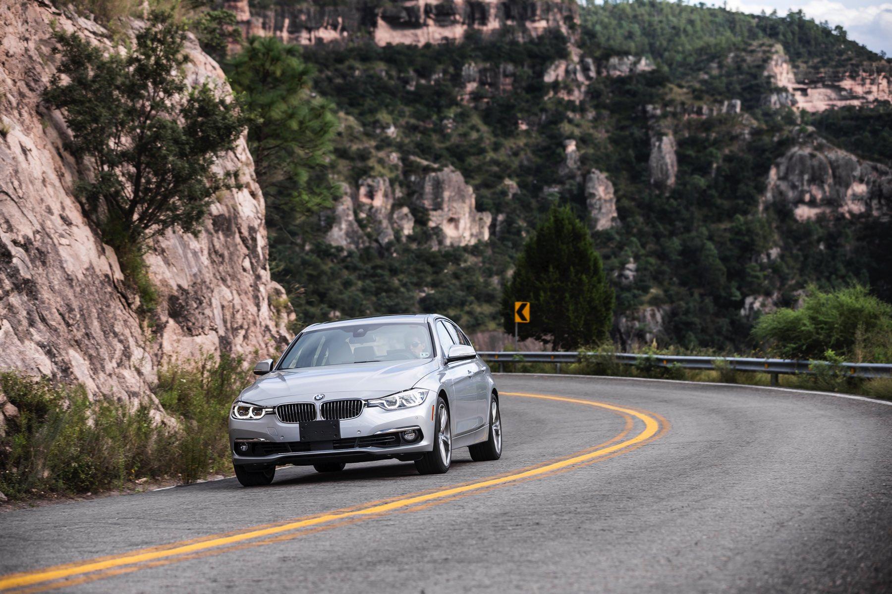 2016-BMW-340i-txGarage-041