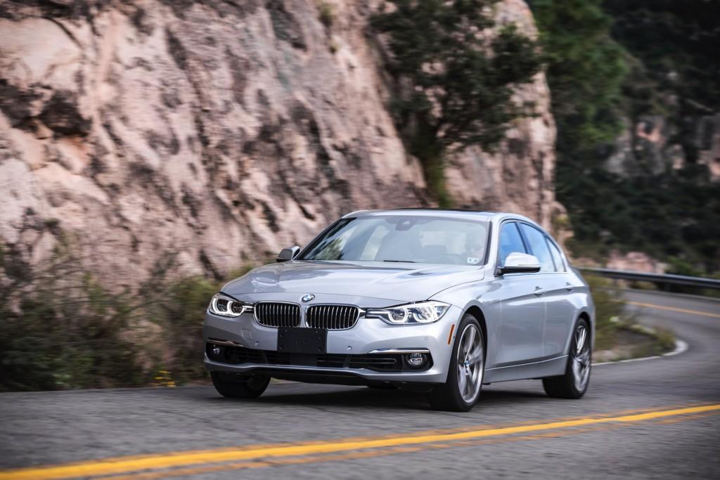 2016-BMW-340i-txGarage-042
