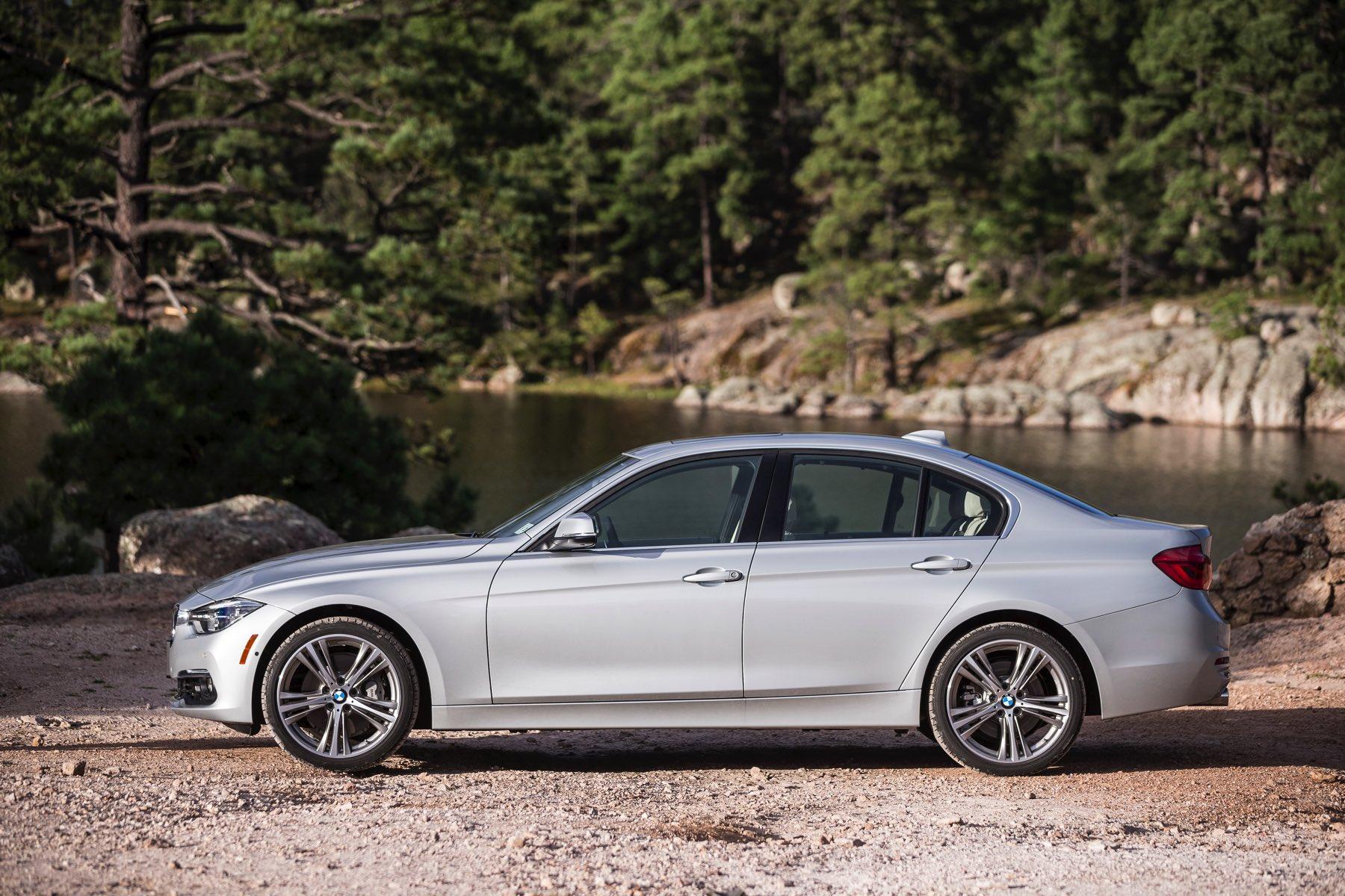 2016-BMW-340i-txGarage-043