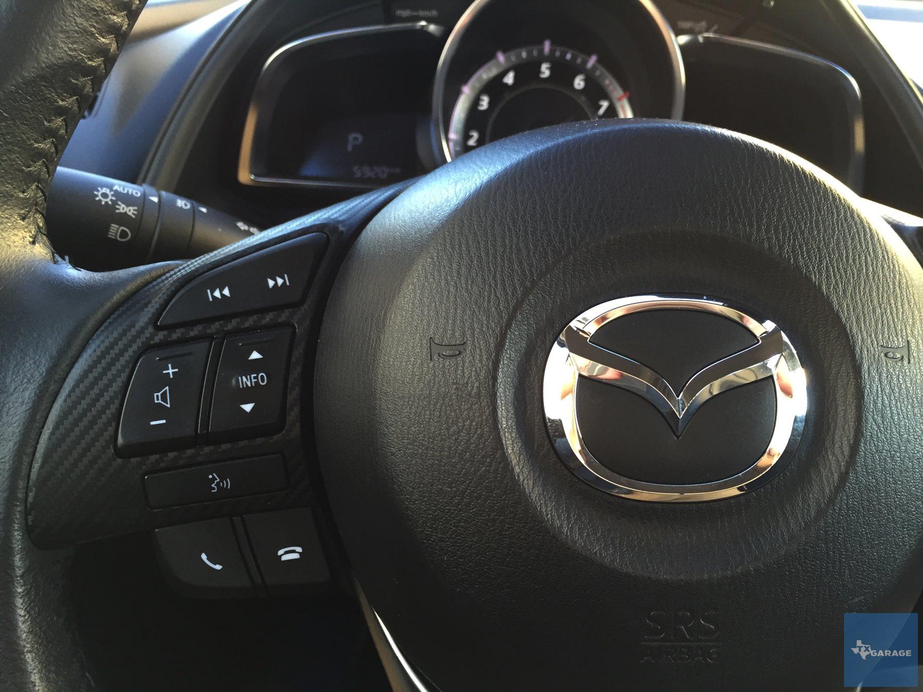 2016-Mazda-CX-3-002