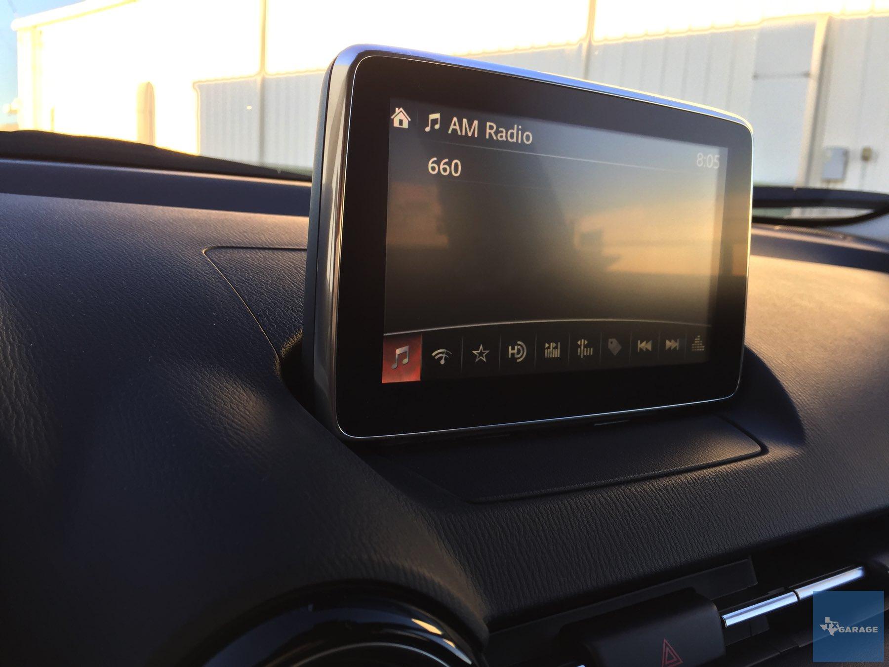 2016-Mazda-CX-3-005