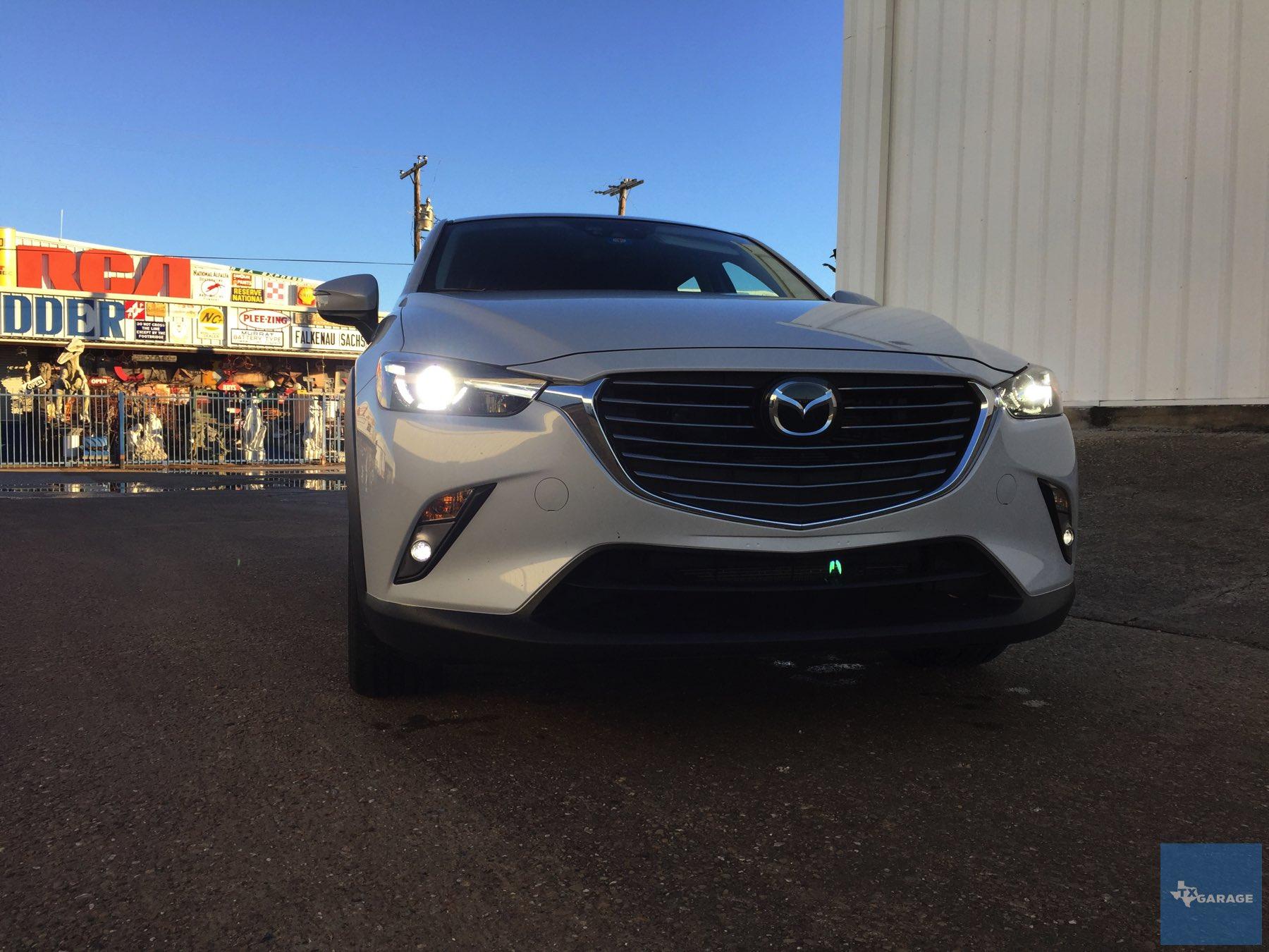 2016-Mazda-CX-3-023