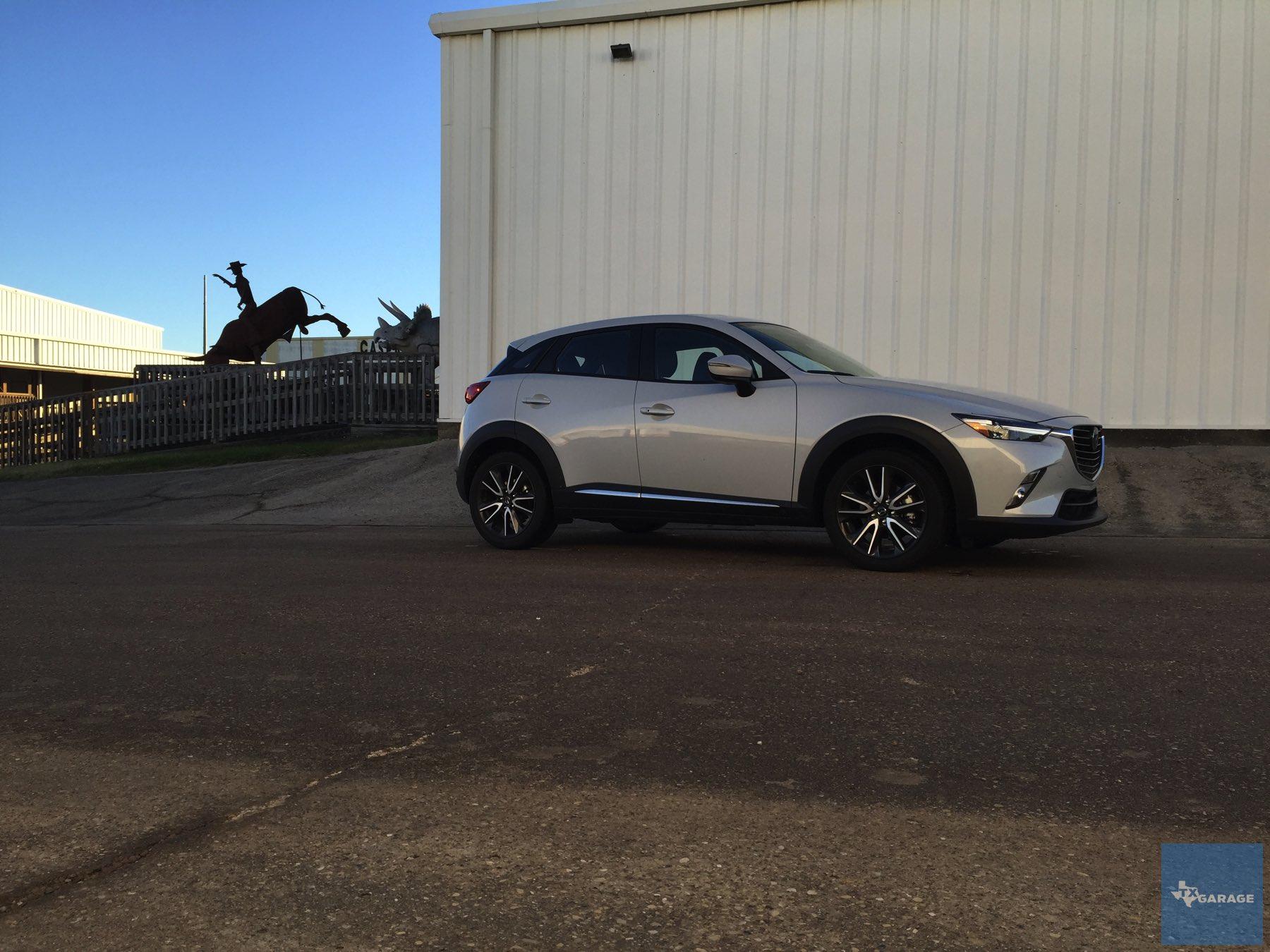 2016-Mazda-CX-3-025