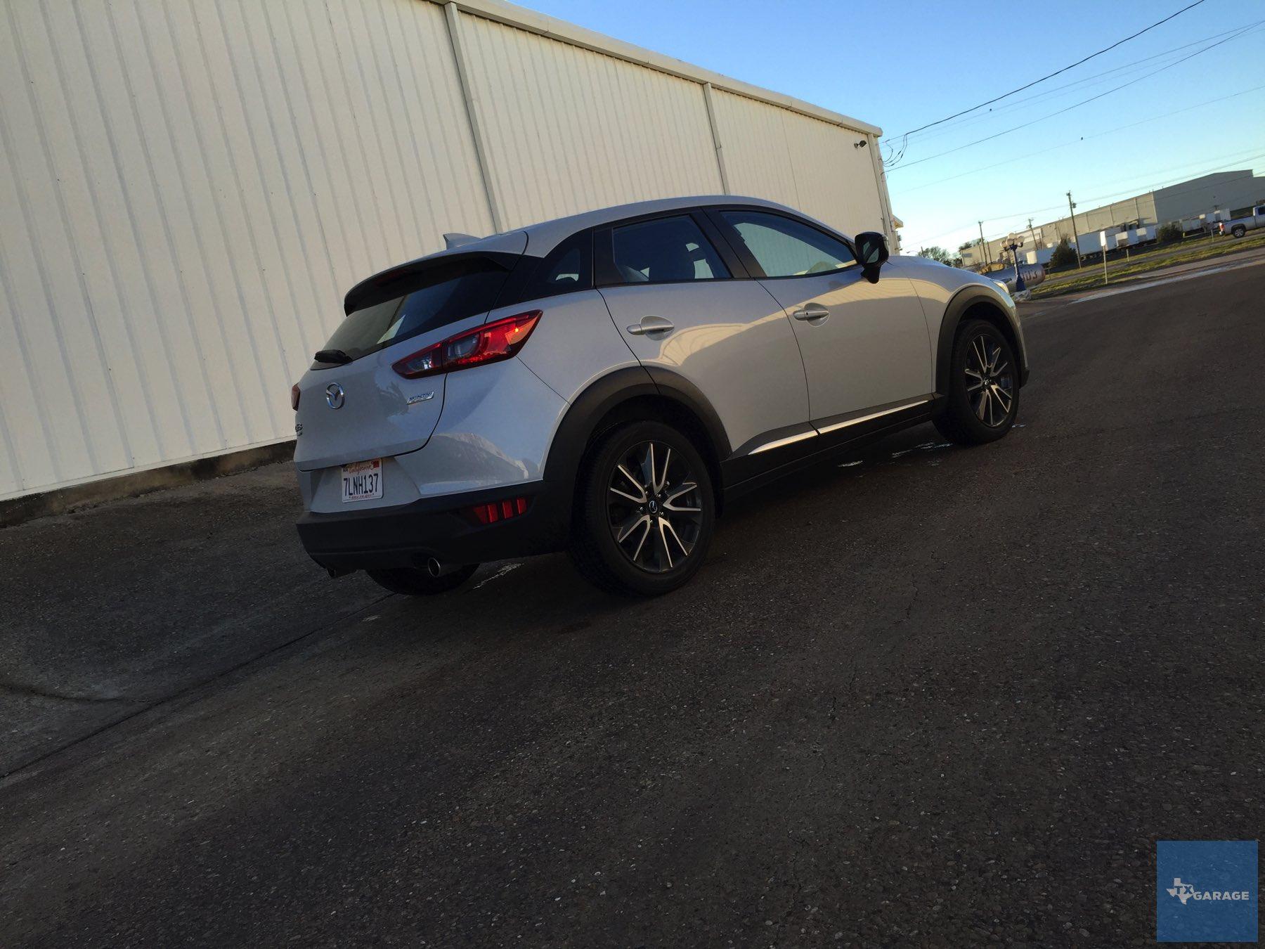 2016-Mazda-CX-3-029