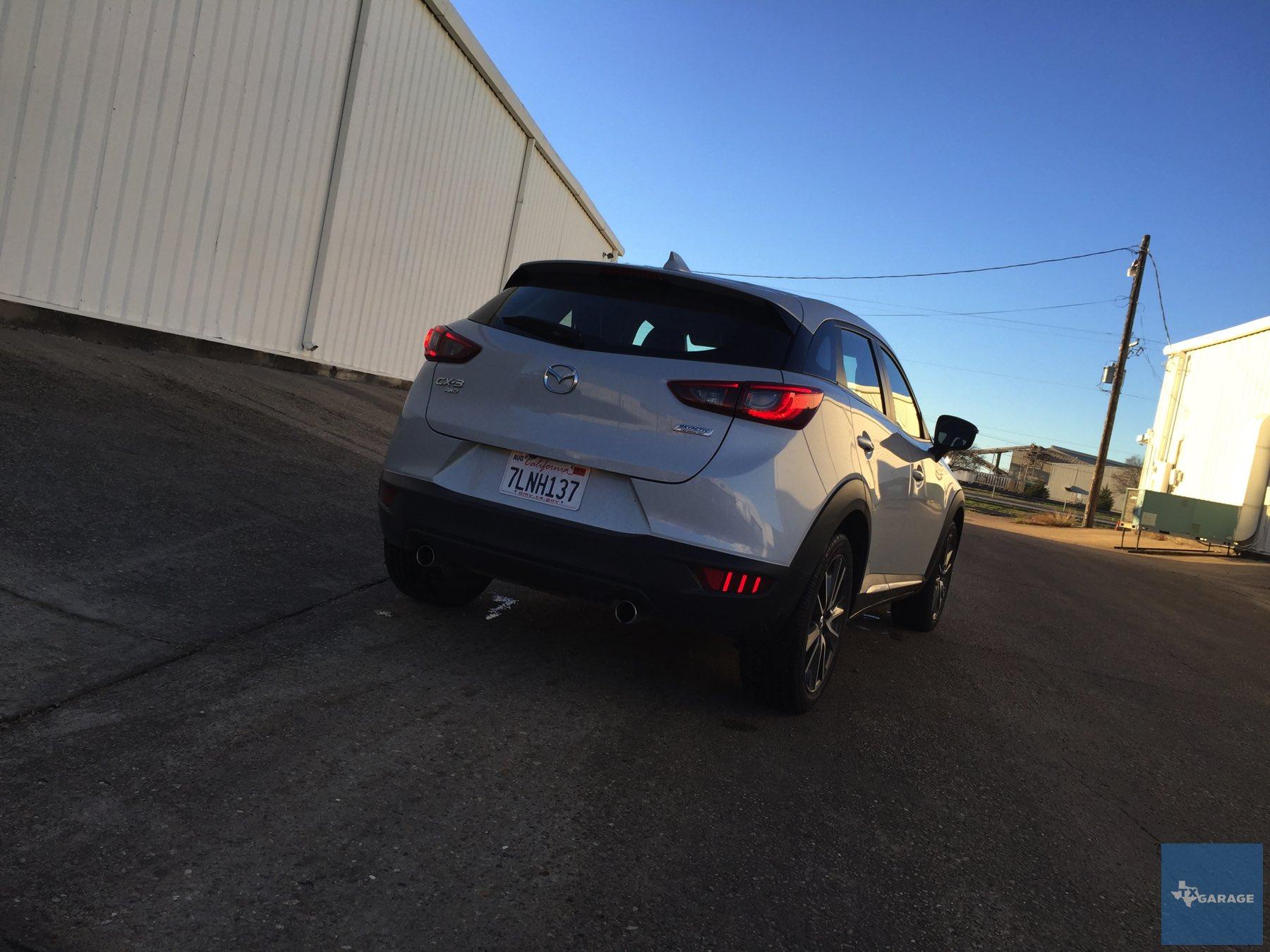 2016-Mazda-CX-3-031