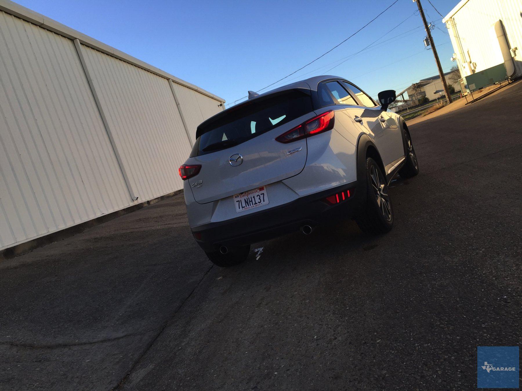 2016-Mazda-CX-3-032