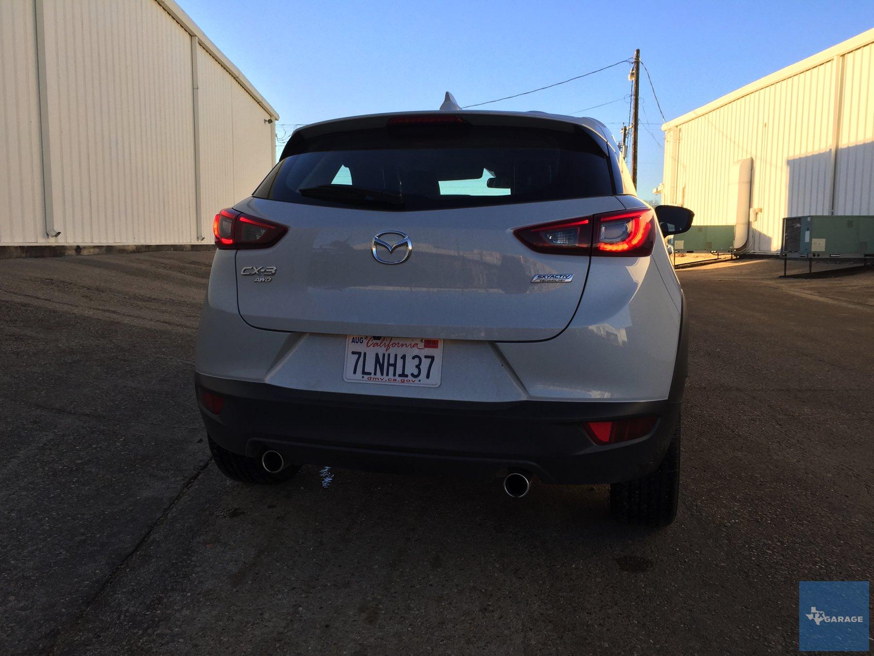 2016-Mazda-CX-3-033