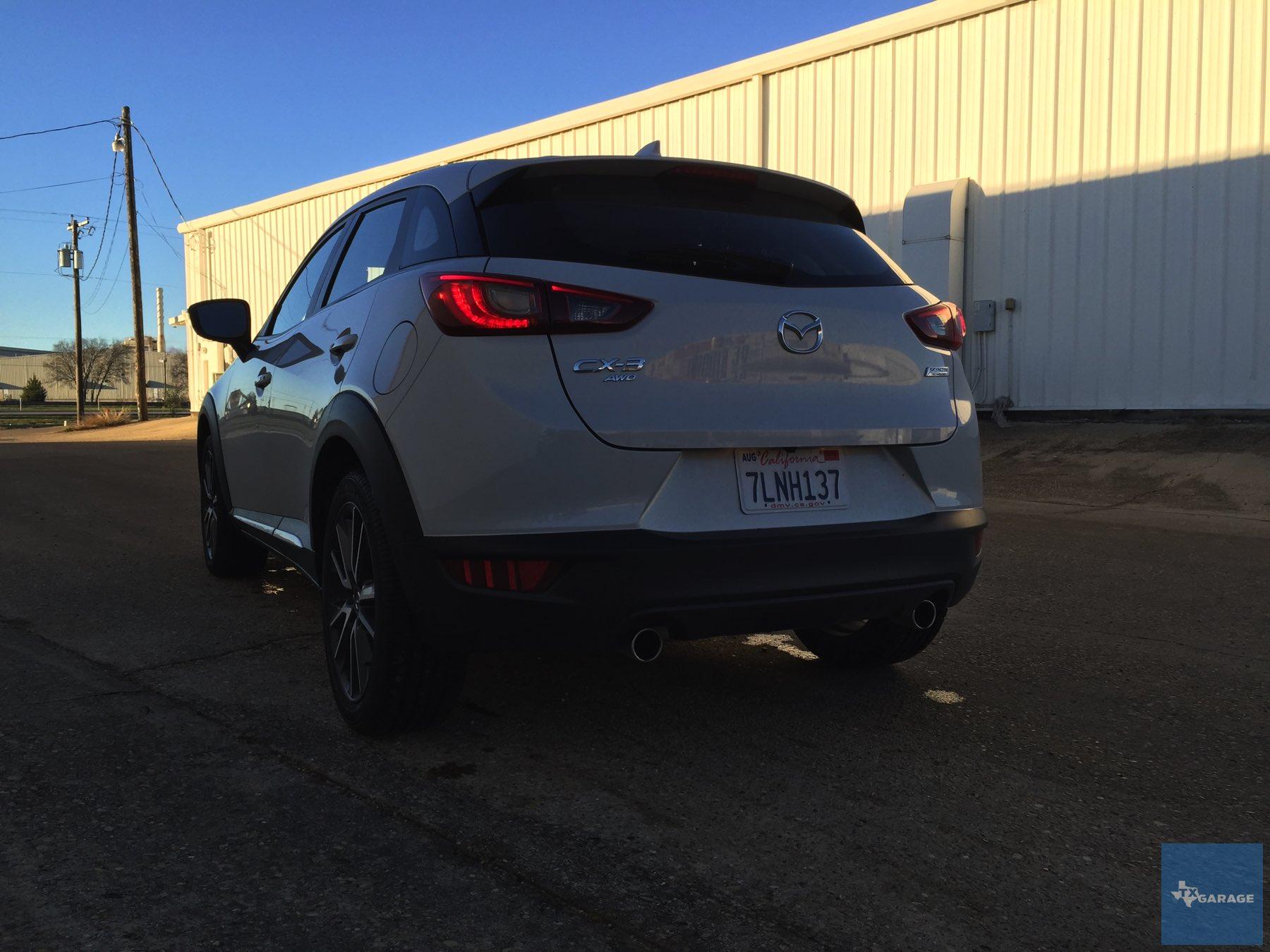 2016-Mazda-CX-3-034