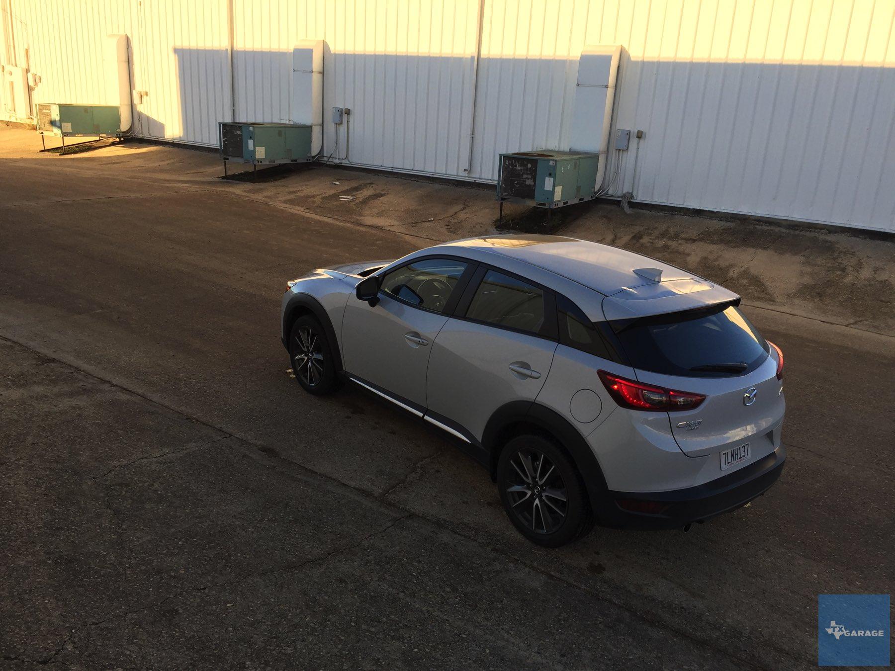 2016-Mazda-CX-3-036