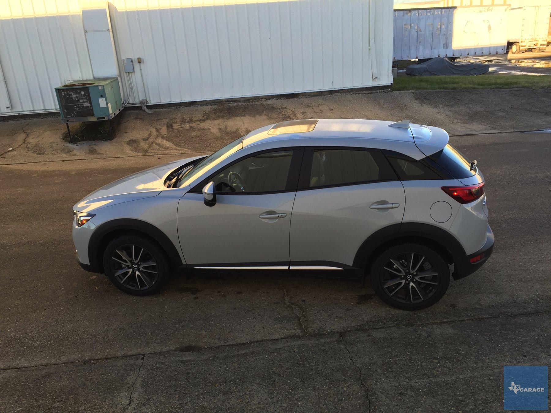 2016-Mazda-CX-3-037