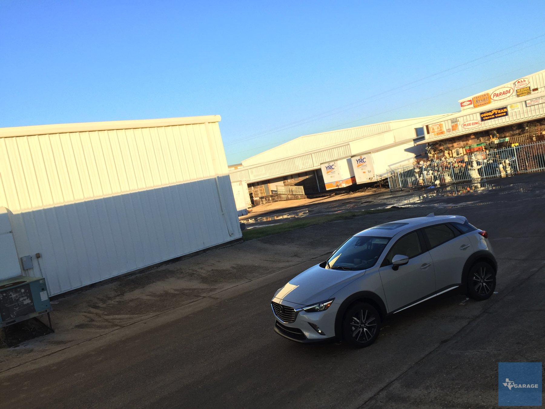 2016-Mazda-CX-3-038