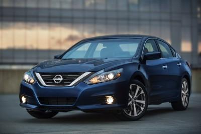 2016-Nissan-Altima-003