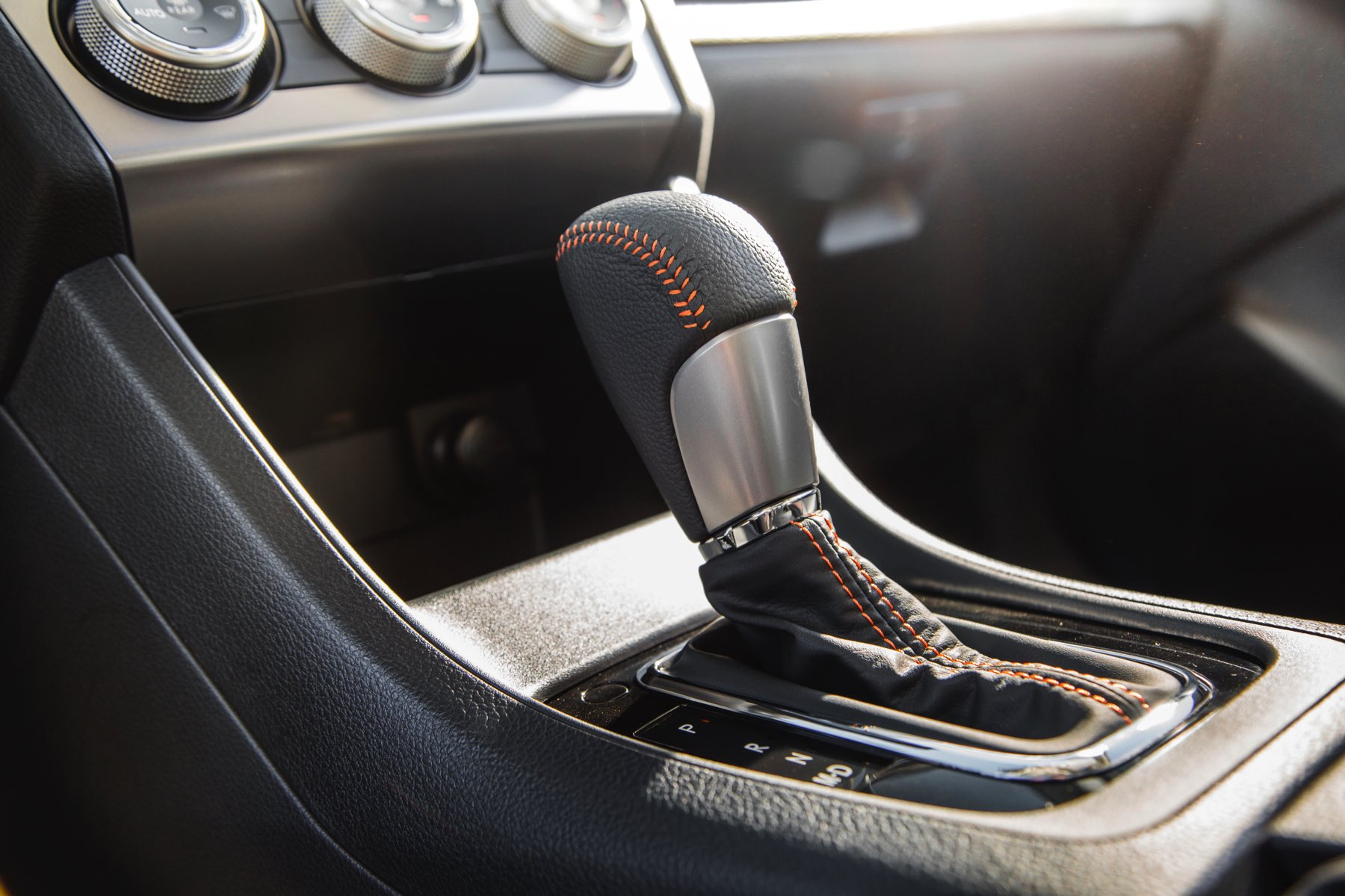 2016-Subaru-Crosstrek-004