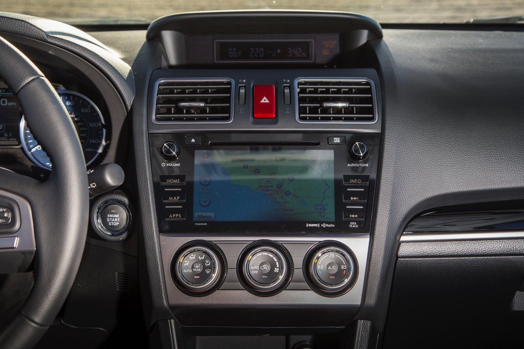 2016-Subaru-Crosstrek-009