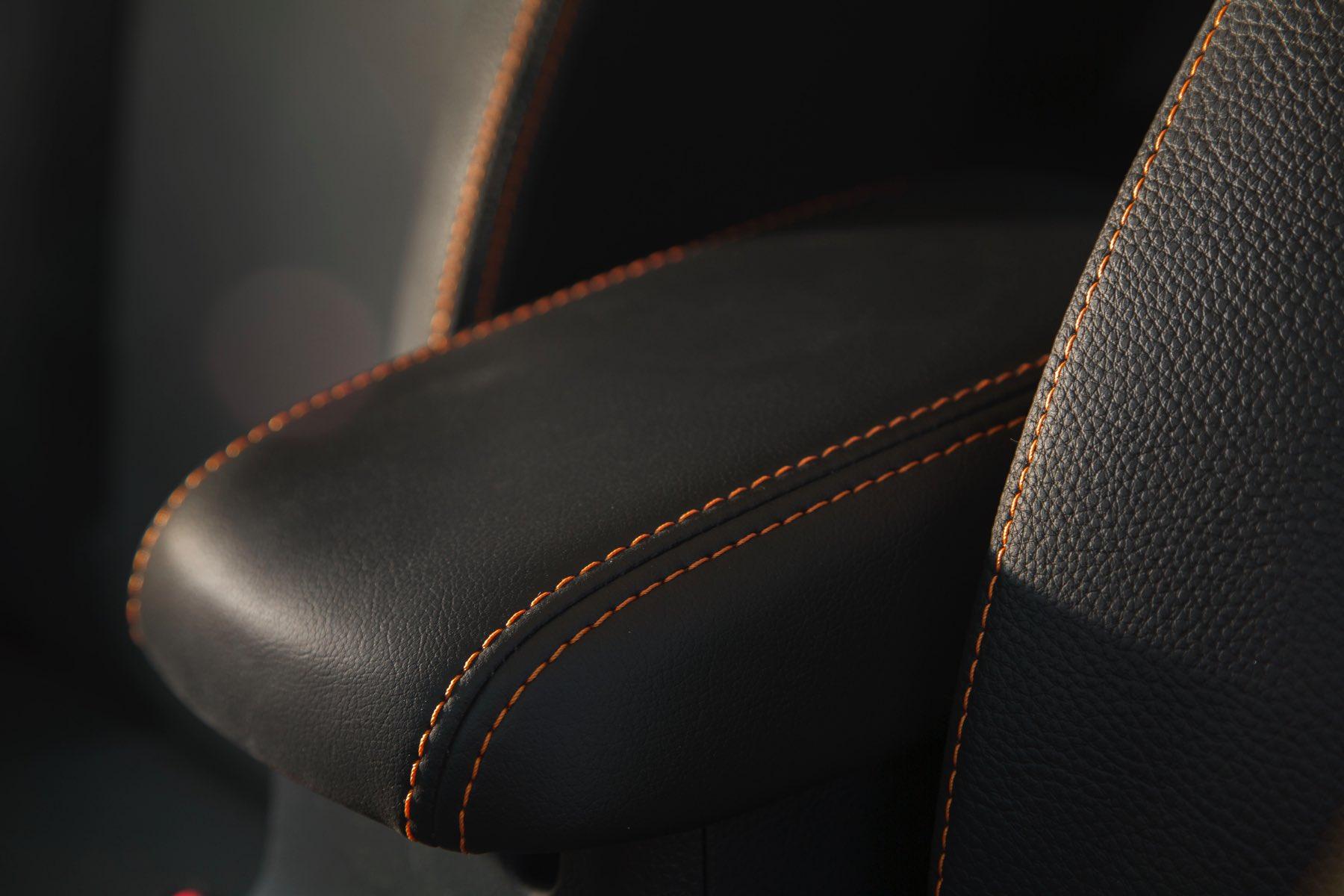 2016-Subaru-Crosstrek-011