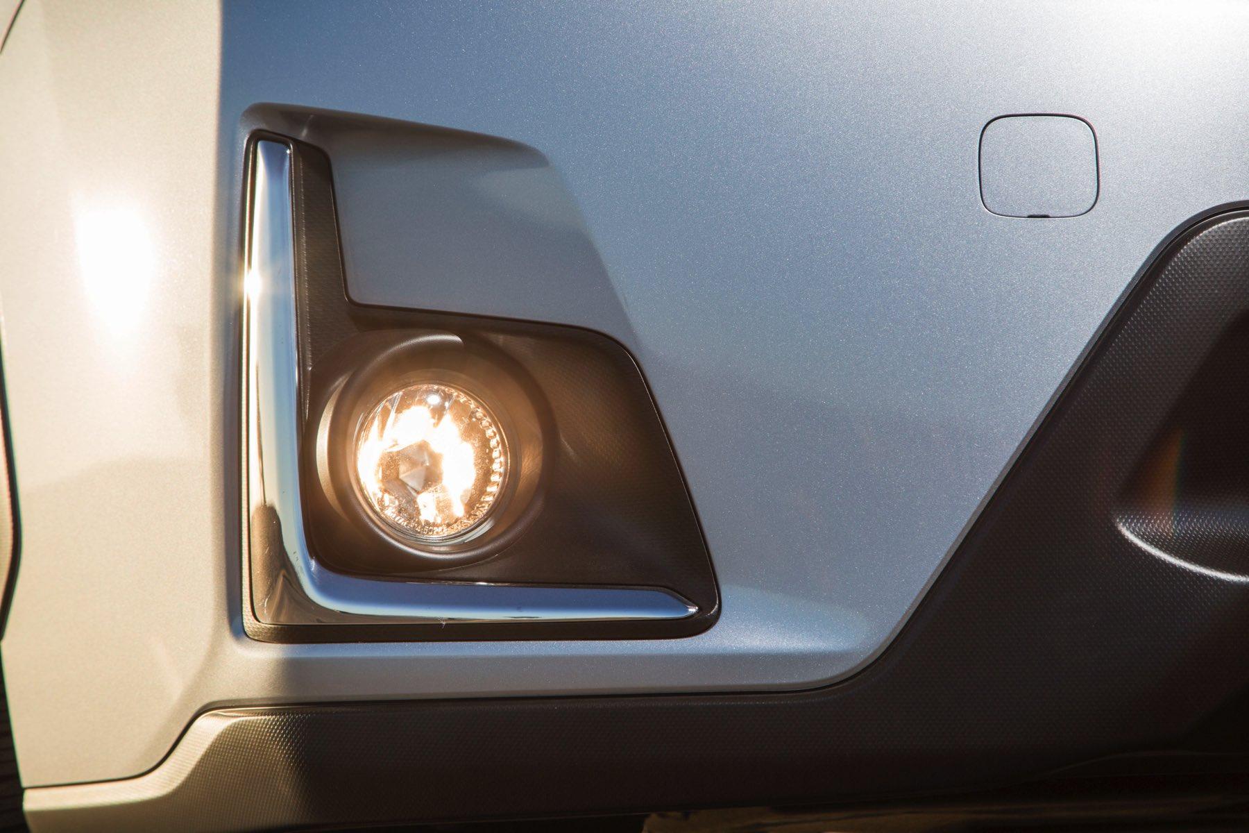 2016-Subaru-Crosstrek-018