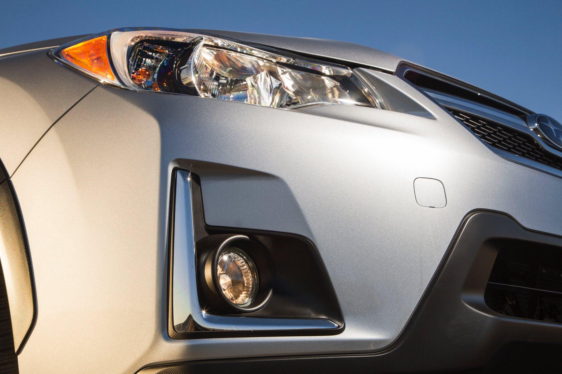 2016-Subaru-Crosstrek-019