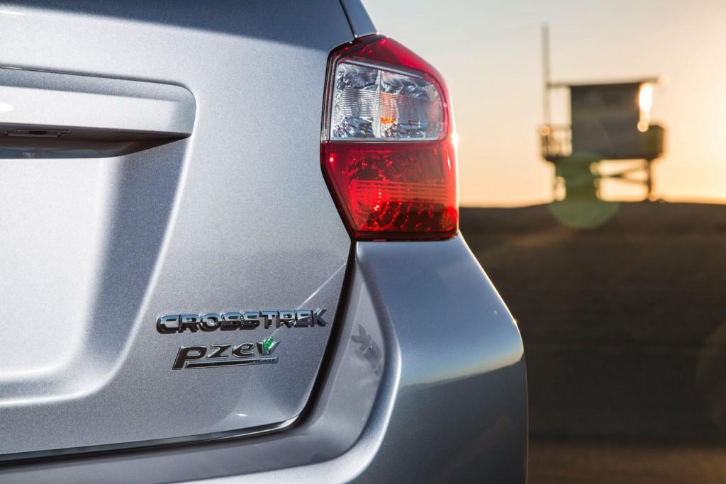 2016-Subaru-Crosstrek-023