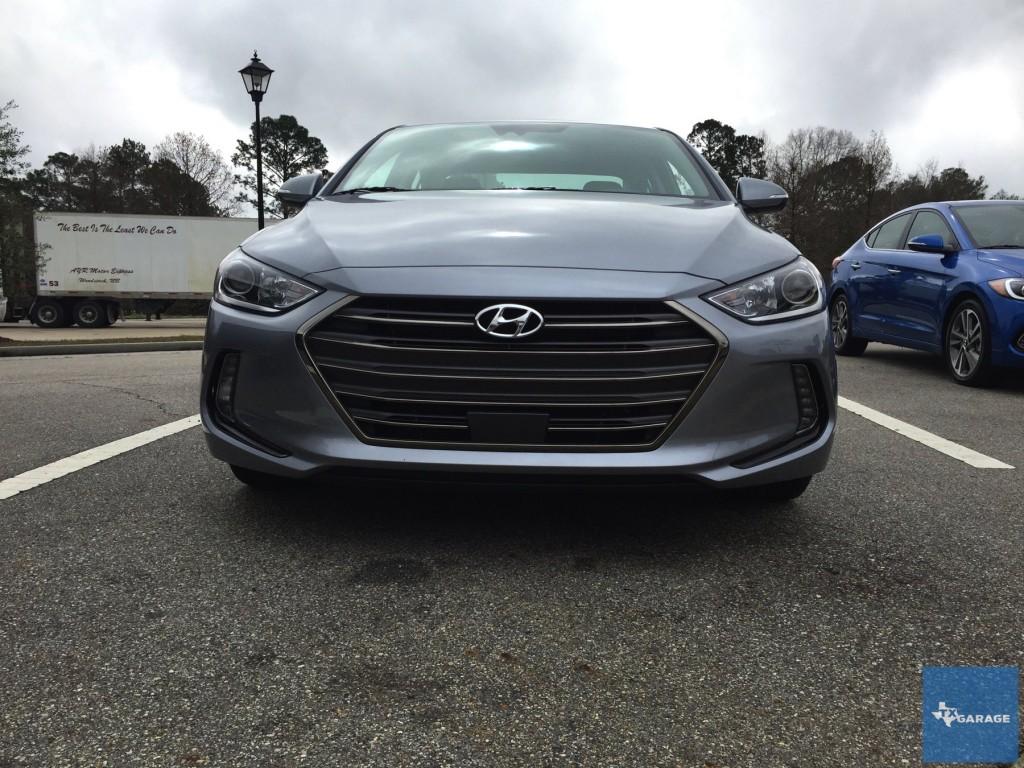 2017-Hyundai-Elantra-txGarage-025