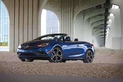 2016-Buick-Cascada-Convertible-035