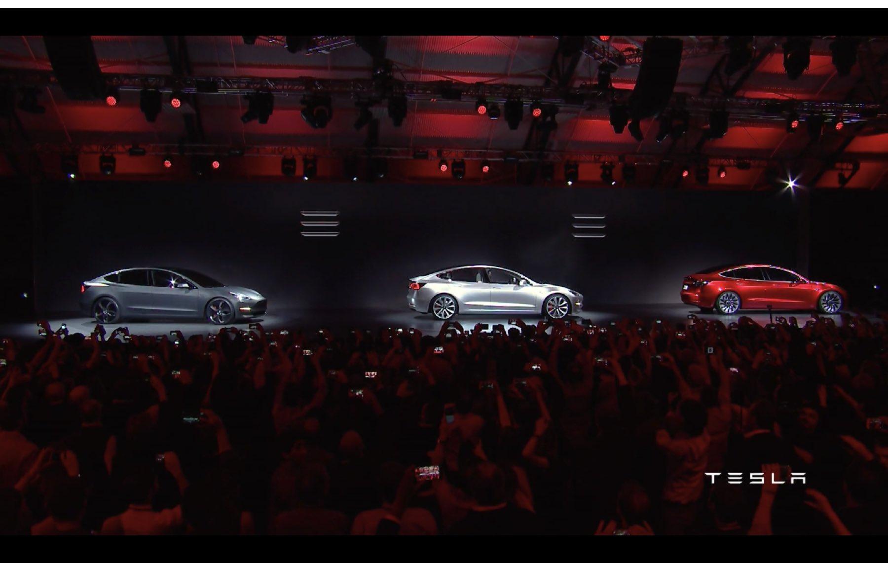 2017-Tesla-Model-3-024