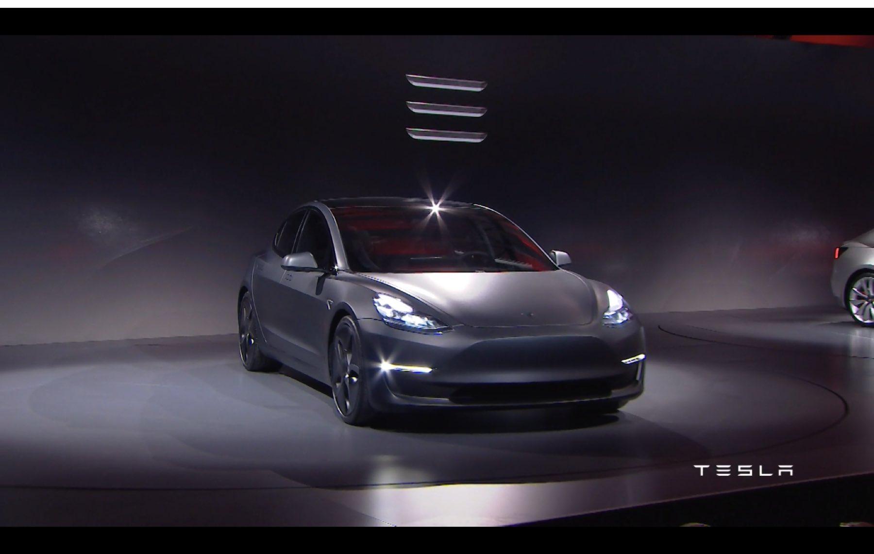 2017-Tesla-Model-3-032