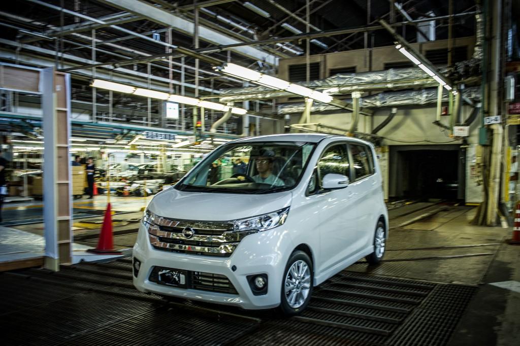 130520_Nissan_Mitsubishi_NMKV-6399