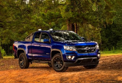 2015-Chevrolet-ColoradoZR2-Concept-gone-2