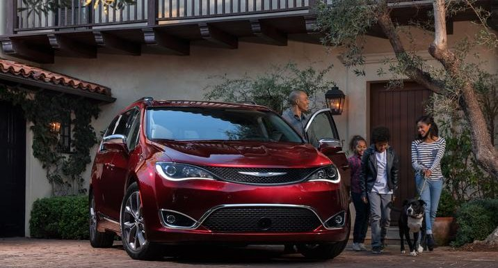 2017-chrysler-pacifica-cover