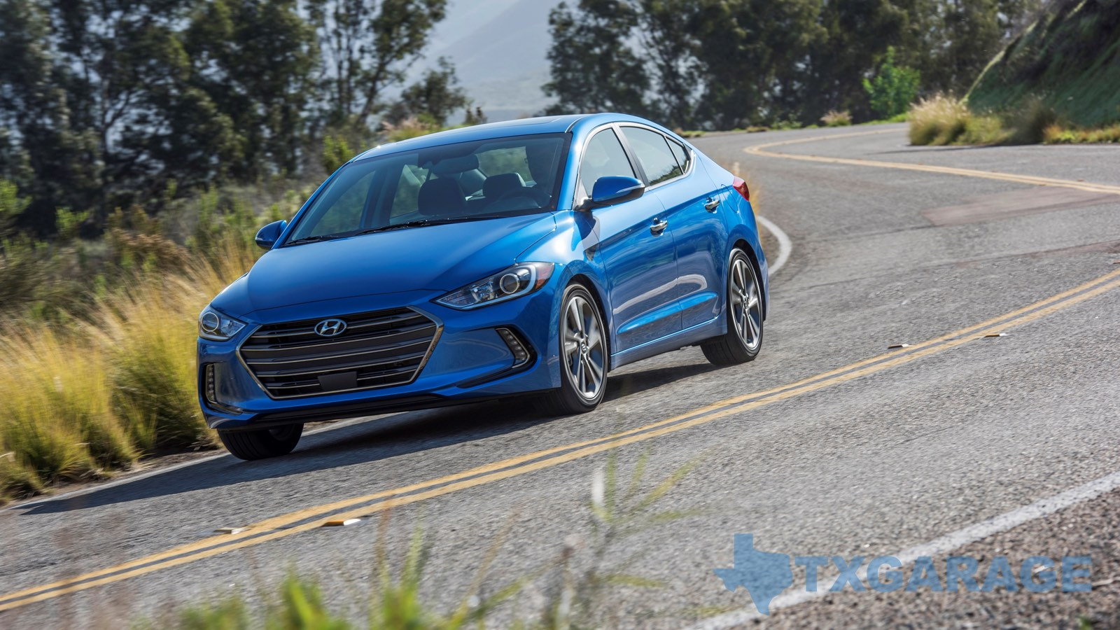 2017 Hyundai Elantra reviewed by Steve Kursar - txgarage