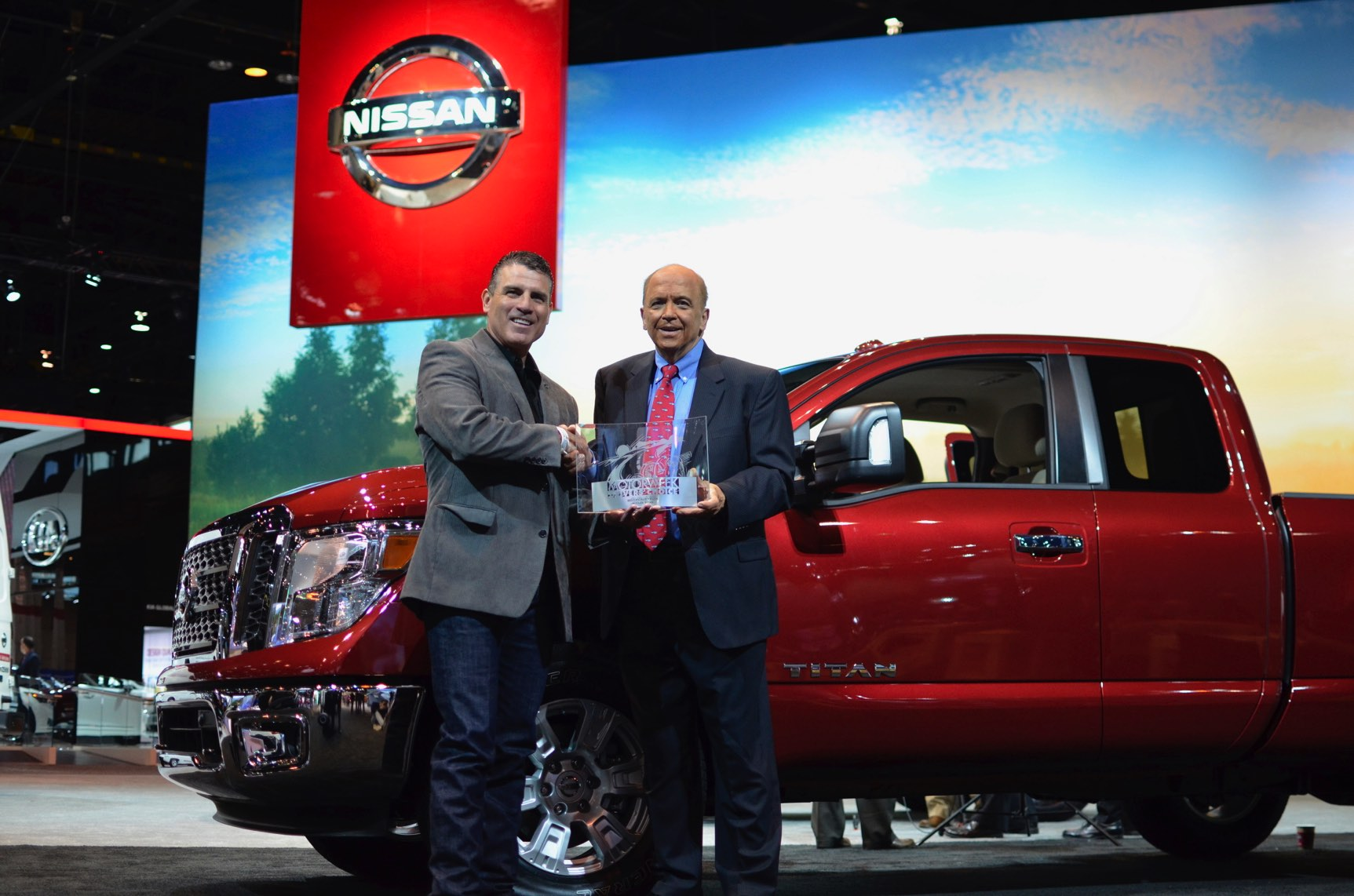 nissan_TITAN_chicago2017_motorweek_award