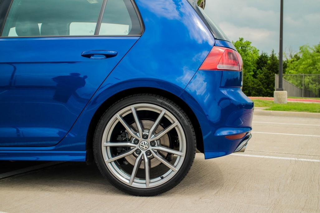 011_scaled_VW-Golf-R-11.scale-400