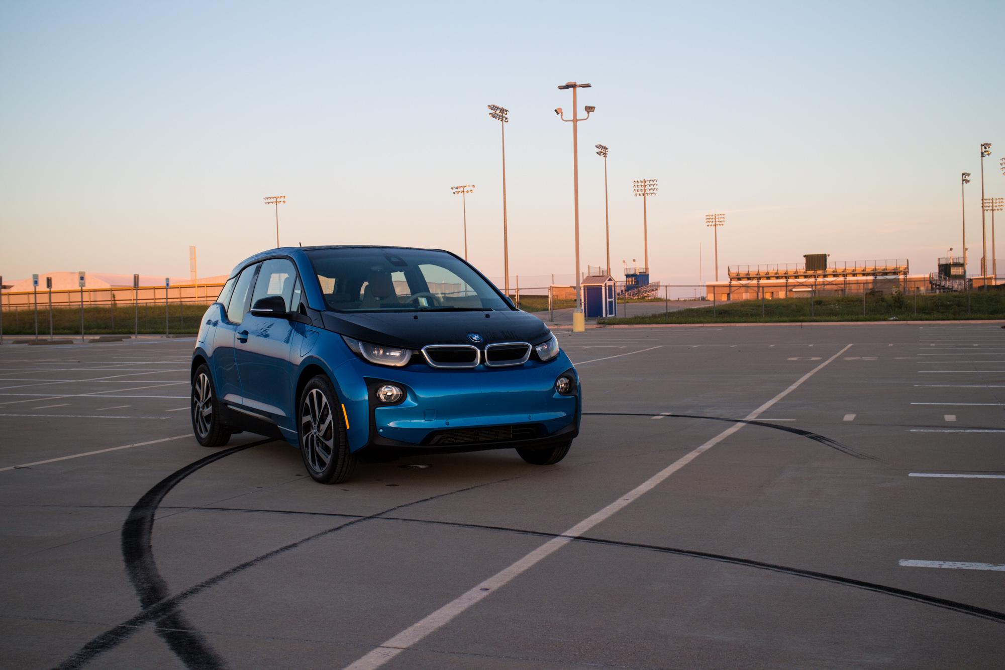 2017-BMW-i3-1