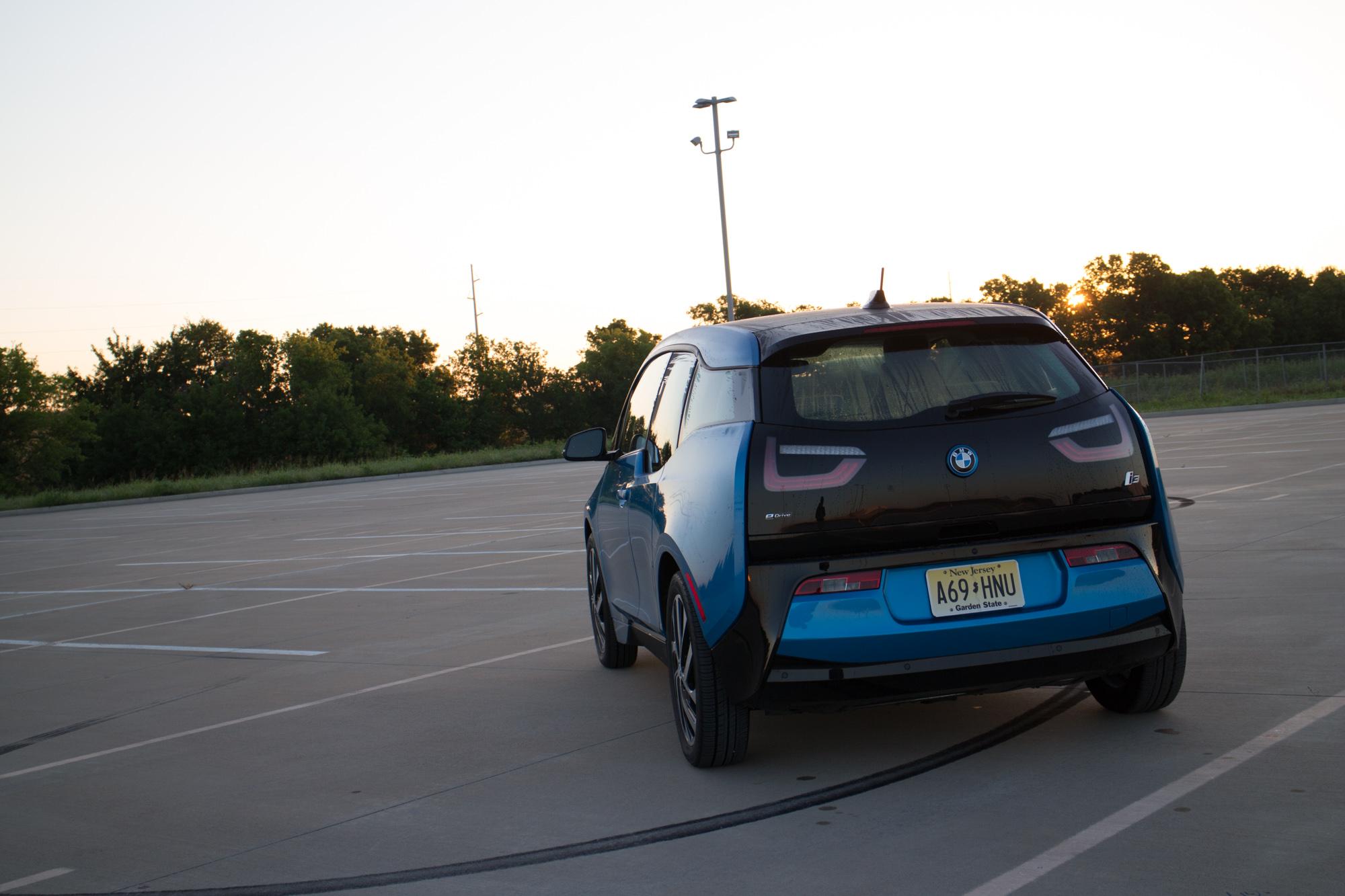 2017-BMW-i3-10