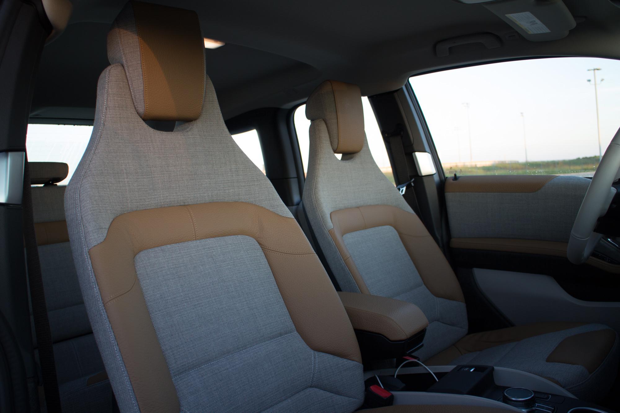 2017-BMW-i3-17