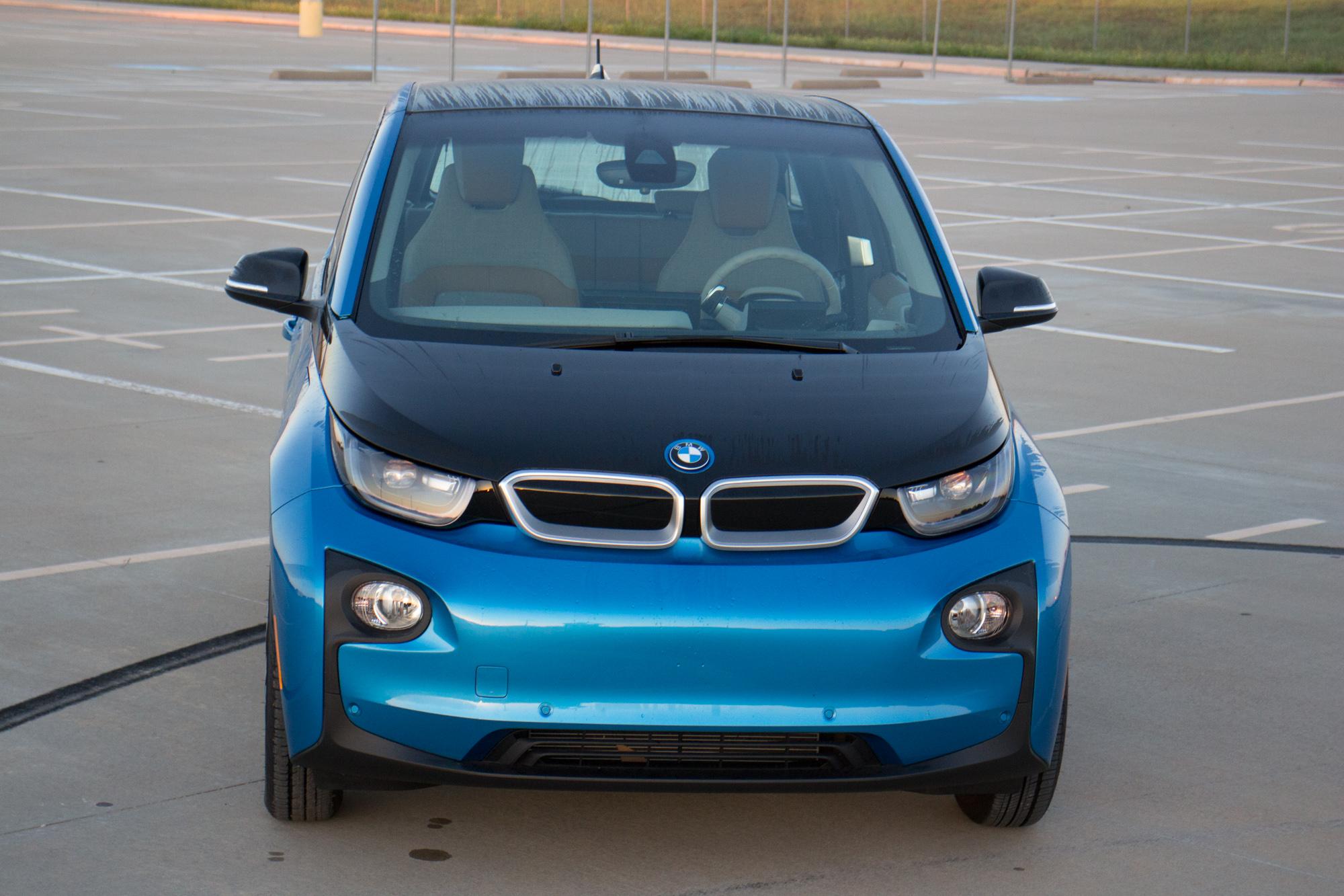 2017-BMW-i3-4