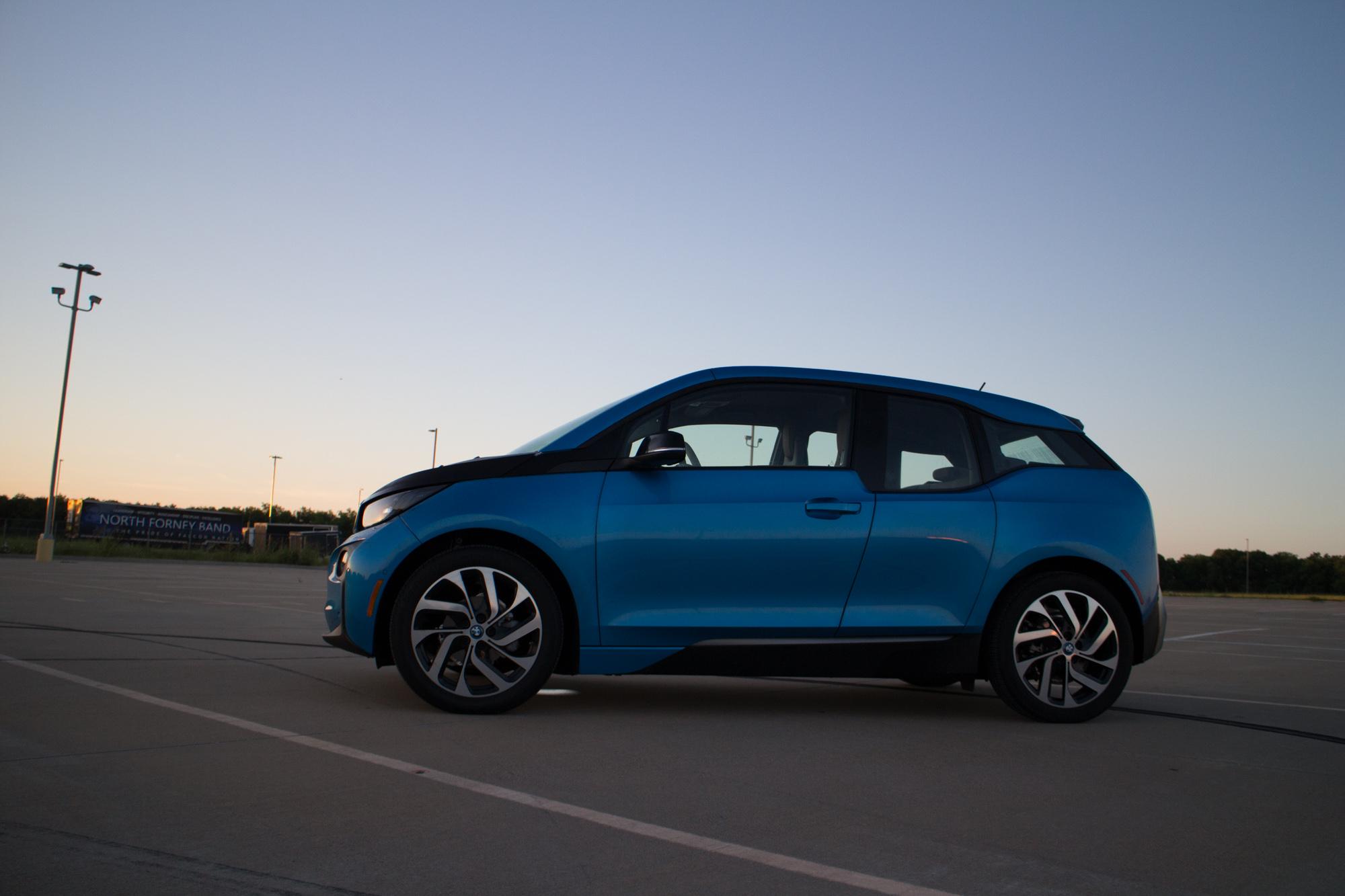 2017-BMW-i3-8