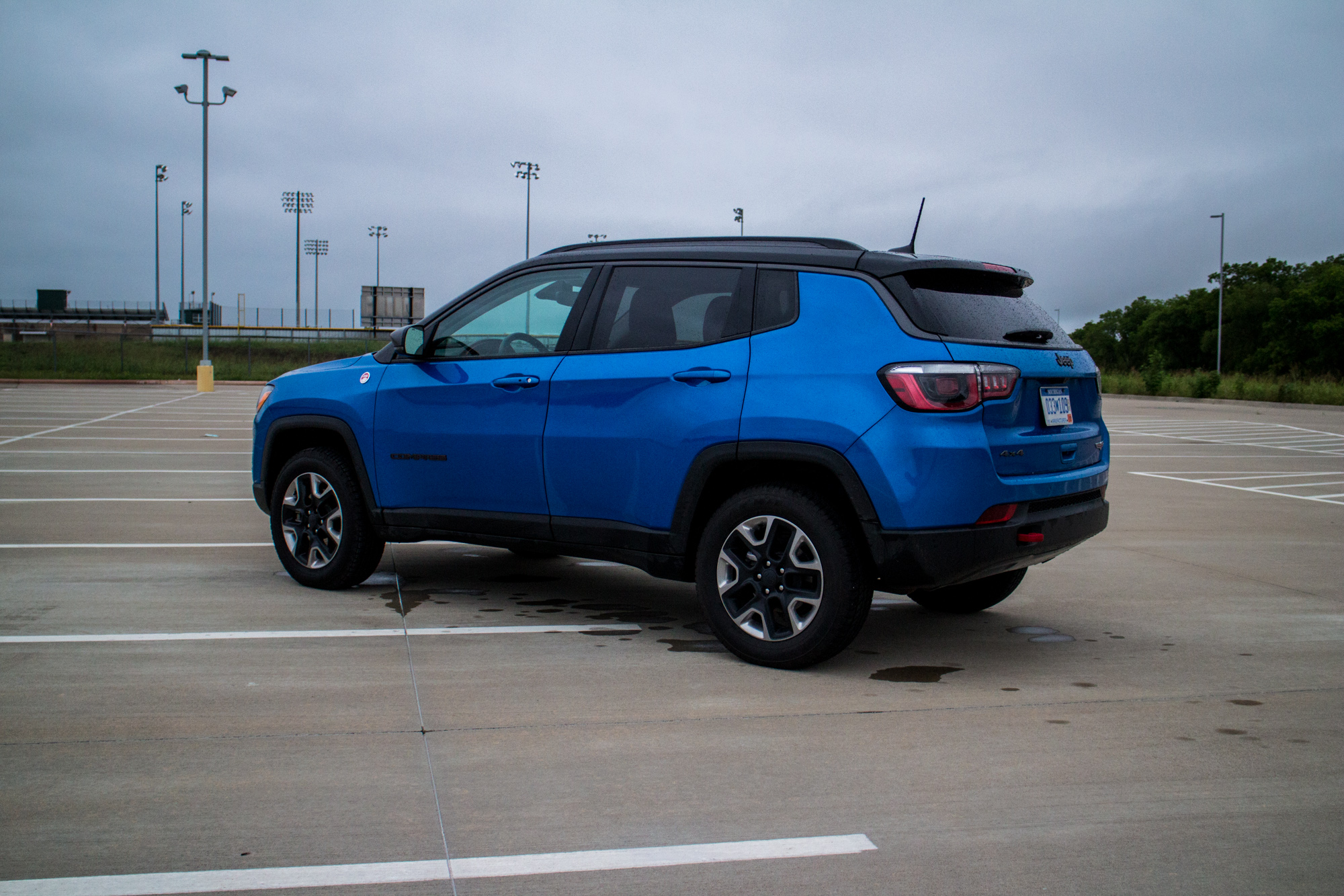 2017-Jeep-Compass-Trailhawk-12