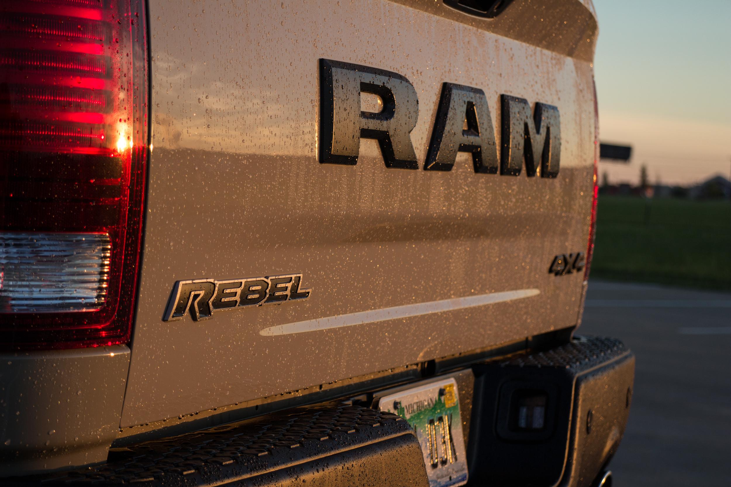 2017-RAM-1500-Rebel-17