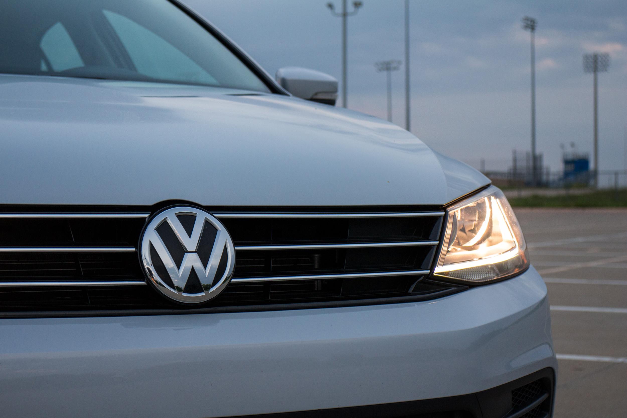 2017-VW-Jetta-4