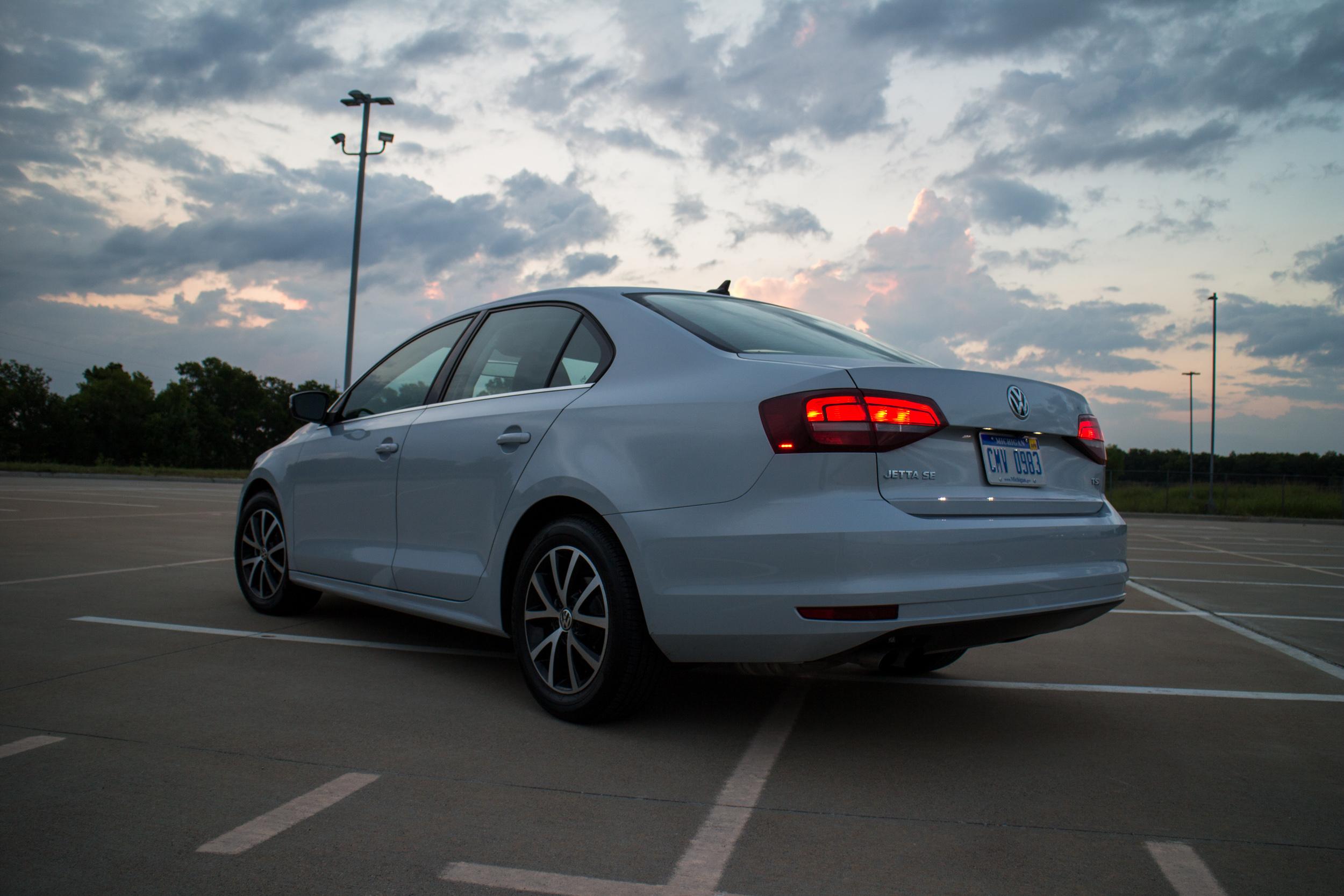 2017-VW-Jetta-8