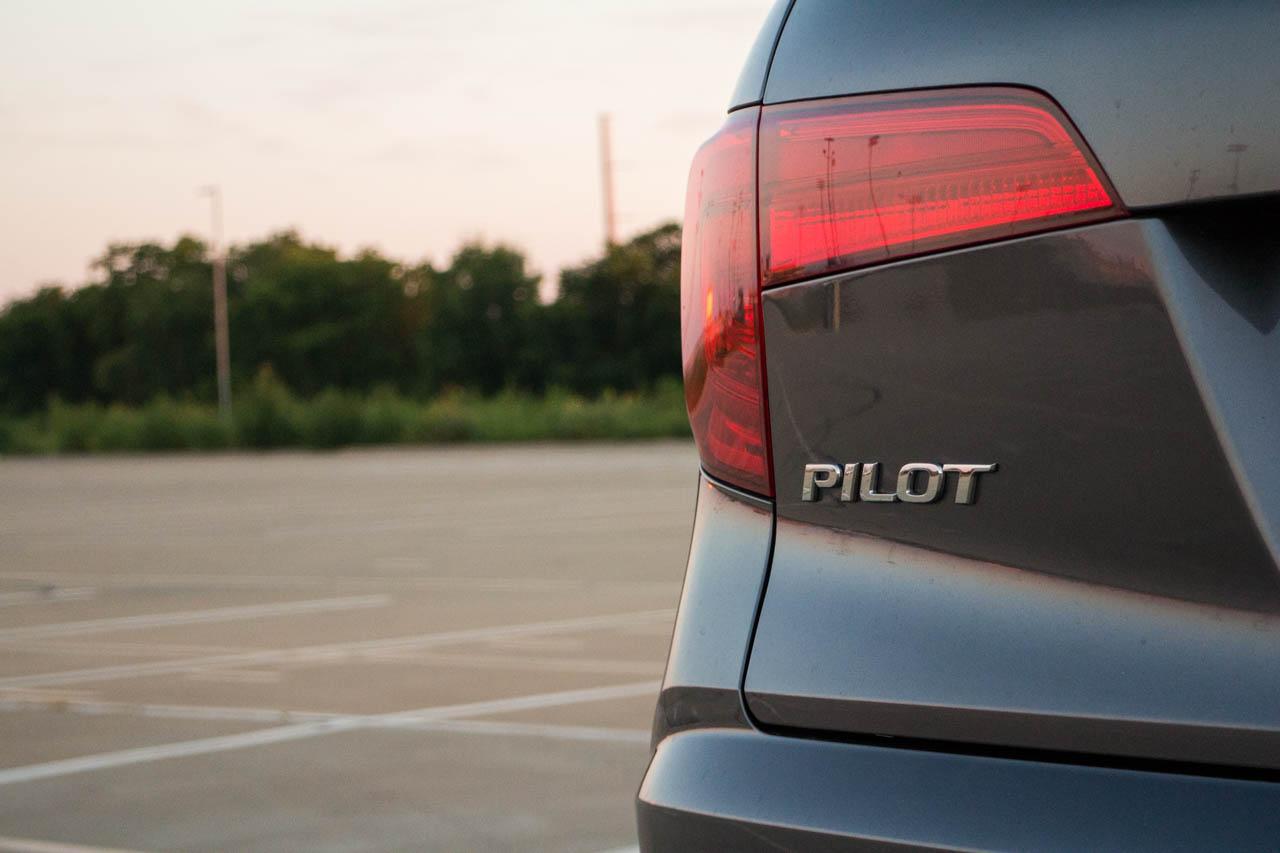 2017-Honda-Pilot–txgarage-13