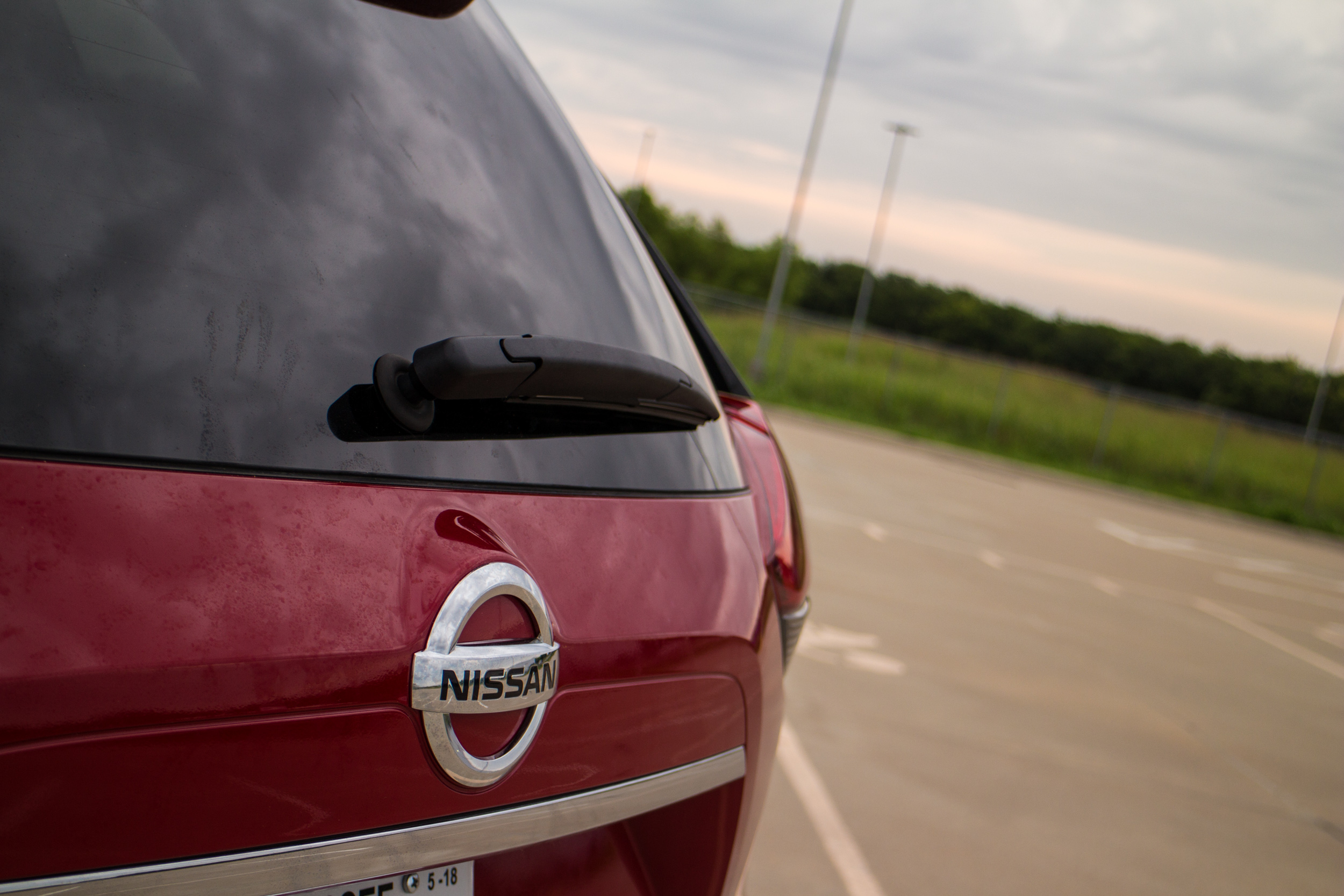 2017-Nissan-Rogue-10