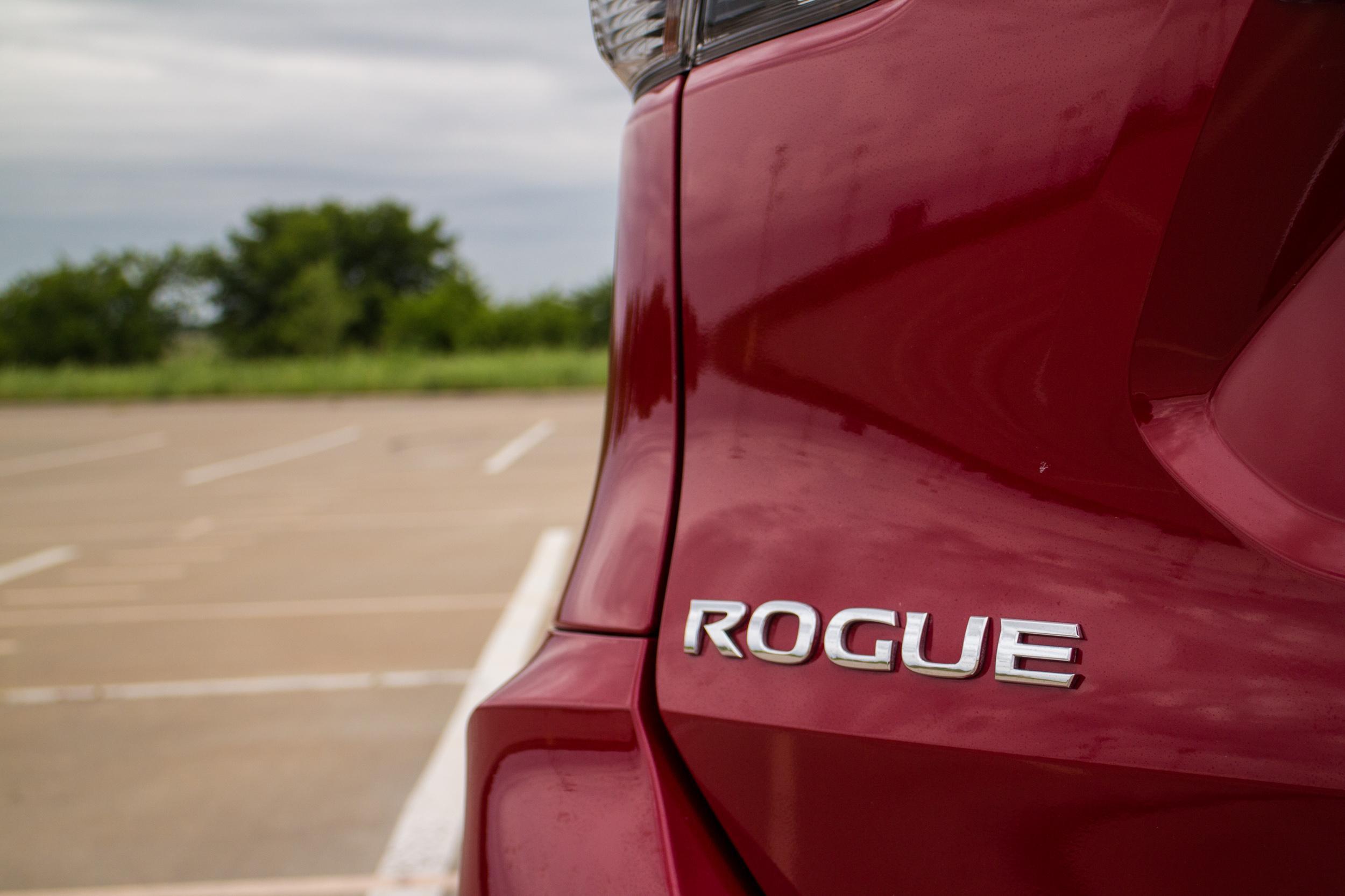 2017-Nissan-Rogue-11