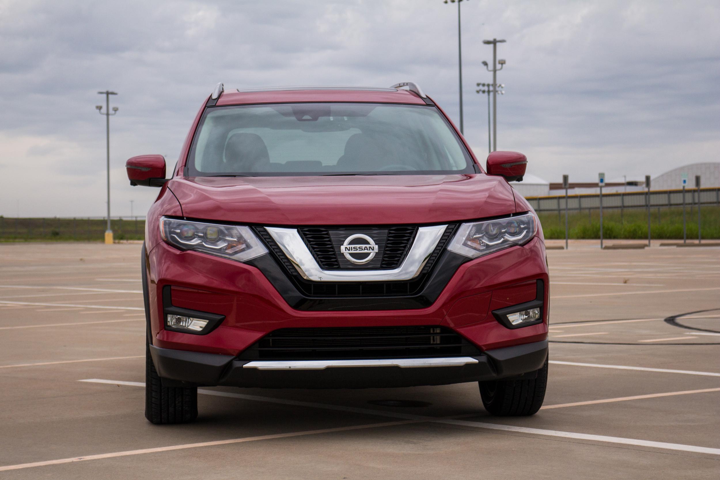 2017-Nissan-Rogue-2